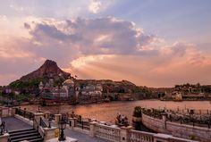 "If you're visiting Tokyo Disney Resort, it may be part of a greater Japan trip, and you may only have one day for Tokyo DisneySea. This plan covers our ""pe"