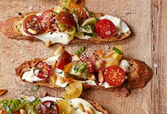 Ina Garten Tomato Crostini with Whipped Feta Bruschetta, Crostini, Perfect Baked Potato, Sweet Potato, Baked Potato Recipes, Baked Potatoes, Chicken Recipes, Whipped Feta, Gula
