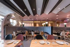 moderne büroteiler in her eighth design for the laem charoen seafood restaurant onion director arisara chaktranon shares thoughts on value of blending modern 916 besten ceiling bilder auf pinterest in 2018 office interiors