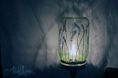 Lavender Fields Mason Jar Lamp: Custom painted by AlvaLumos #masonjarlamp #masonjarlight #lavender