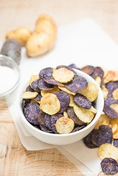 15. Easy Microwave Potato Chips #healthy #recipes #college http://greatist.com/eat/healthy-dorm-room-recipes