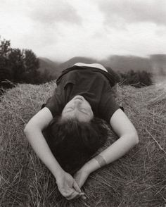Figurative - Linda on Hay Bales // Photographed by Regina Deluise