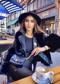 Coffee Girl, I Love Coffee, Coffee Break, Sexy Coffee, Fashion Shoot, All Fashion, Spring Fashion, Womens Fashion, Girl Pictures