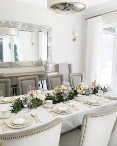 Dining Room Is Set ✨ ✨ Garland Centerpiece: China: Tablecloth: