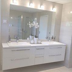 Personalize your home decoration with pretty digital printables. Bathroom Design Luxury, Modern Bathroom Decor, Vintage Bathroom Vanities, Washbasin Design, Dark Furniture, Shower Remodel, Bathroom Renos, Home Decor, Raked Ceiling