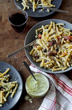 Mushroom Pasta with Cream Pesto. #food #pasta