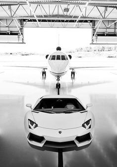 Lamborghini Aventador and private jet if you jump out of your own plane or helicopter you better be sauntering over to your fabulous car guys that fly but drive Not so special cars very odd or just no style ? probably a bit of both ! Lamborghini Aventador, Ferrari, White Lamborghini, Lamborghini Photos, Supercars, Jets Privés De Luxe, Dream Cars, Jet Privé, Luxury Private Jets