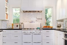 Historical Colonial in Pasadena - traditional - kitchen - los angeles - Charmean Neithart Interiors, LLC.