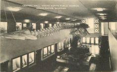 Interior of the old Public Museum - c. 1920?