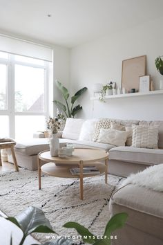 Nordic Living Room, Living Room Grey, Home Living Room, Living Room Designs, Living Room Decor, Apartment Living Rooms, Table For Living Room, Living Room Inspiration, Home Decor