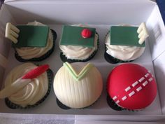 Cricket cupcakes toppers