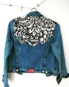 Creating DIY Fashion Trends – Designer Fashion Tips Custom Clothes, Diy Clothes, Custom Denim Jackets, Jean 1, Painted Denim Jacket, Denim Jacket Men, Denim Art, Denim Ideas, Painted Clothes