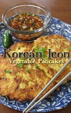 Vegetable Pancake (Jeon) Pin to use squash! What a tasty way to get your vegetables! Korean Jeon, Vegetable Pancake from Bren Did.Pin to use squash! What a tasty way to get your vegetables! Korean Jeon, Vegetable Pancake from Bren Did. New Recipes, Vegetarian Recipes, Dinner Recipes, Cooking Recipes, Healthy Recipes, Healthy Food, Korean Food Recipes, Pancake Recipes, Korean Recipes