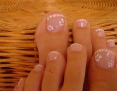 I would put a dark color behind it so the flowers would show. Sexy Nails, Fun Nails, Pretty Nails, Pretty Toes, French Manicure Toes, Manicure And Pedicure, Pedicure Ideas, Pedicure Designs, Toe Nail Designs