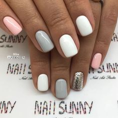 Semi-permanent varnish, false nails, patches: which manicure to choose? - My Nails Fancy Nails, Love Nails, Pretty Gel Nails, Stylish Nails, Trendy Nails, Dipped Nails, Cute Acrylic Nails, Nagel Gel, Gorgeous Nails