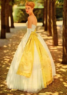 Beautiful Gown with yellow bow design from the 1950's #50sfashion #1950sgowns  #vintagegown