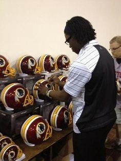Robert Griffin III signing autographs in Chantilly, Va.