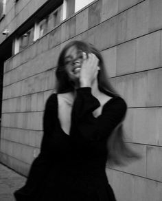 Bad Girl Aesthetic, Aesthetic Photo, Aesthetic Pictures, Spring Aesthetic, Poses For Photos, Girl Photos, Foto Glamour, Black And White Photo Wall, Shotting Photo