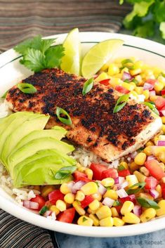 pescatarian recipes These blackened fish taco bowls with corn salsa are quickly becoming a family favourite! Spicy fish, fresh avocado, and corn salsa served on hot rice. Spicy Recipes, Fish Recipes, Seafood Recipes, Mexican Food Recipes, Cooking Recipes, Healthy Recipes, Cooking Fish, Healthy Meals, Cooking Corn