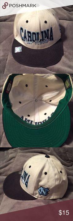 SnapBack hat Carolina tar-heels SnapBack hat good condition Accessories Hats
