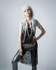 粋な波動 Fashion Poses, Fashion Art, Modern Mullet, Epic Hair, Mullet Hairstyle, Natural Hair Styles, Long Hair Styles, Pastel Hair, Grunge Fashion