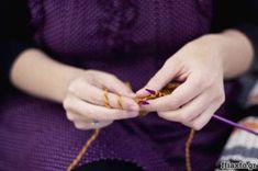 Υλικό: Υγρό γυαλί. Τύποι, χρωματισμός και εφαρμογή - Ftiaxto.gr Jewelry Tools, Hair And Beard Styles, Diy And Crafts, Sewing, Crochet, Faces, Math Resources, Dressmaking, Couture