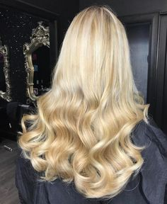 D R E A M Y  H A I R - Hair by @hairbychristopherlaird using our Salon Professional Range!