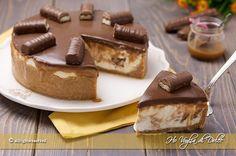 Cheesecake Twix un dolce super goloso, fresco e cremoso che richiama il famoso cioccolatino. Ricetta facile con tutti i passo passo per realizzarla a casa.