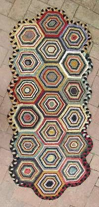 hexagons #rug hooking