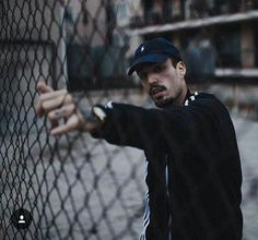 Photo by Abel Bueno Boy Photography Poses, Children Photography, Male Poses, Skinny, Creative Photos, Pregnancy Photos, Good People, Bad Boys, Hip Hop