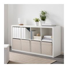 The IKEA Kallax line Storage furniture is an important section of any home. Stylish and wonderfully simple the rack Kallax from Ikea , for example. Storage Hacks, Cube Storage, Cube Organizer, Storage Ideas, Storage Solutions, Office Storage, Storage Design, Makeup Storage, Retro Furniture