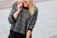 sweter ze spódnicą, spódnica i sweter, obcas, stylizacja, torba reserved,