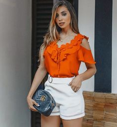 Cutest ruffled cold shoulder top with high waisted shorts. Classy Outfits, Casual Outfits, Fashion Outfits, Womens Fashion, Magazine Mode, Girls Blouse, Lace Tops, Corsage, Blouse Designs