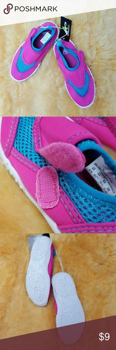 Athletech Toddler Pink Swimmer Shoes Size 9/10 New with tags Athletech Swimmer shoes/water shoes Size medium 9/10 Color Pink  Material synthetic See pictures for more details.. thank you athletech Shoes Water Shoes