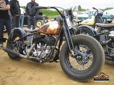 Old Classic Harley-Davidson Motorcycles Harley Panhead, Classic Harley Davidson, Used Harley Davidson, Harley Davidson Knucklehead, Harley Davidson Motorcycles, Hd Motorcycles, Bobber Bikes, Bobber Motorcycle, Bobber Chopper
