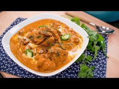 There is a very good reason why butter chicken is one of the most loved Indian dishes: it's pretty darn delicious and really not difficult to do! Succulent marinated chicken steeped in a rich and creamy tomato sauce, fragrant with warm Indian spices.