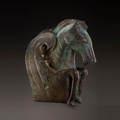 Etruscan Bronze Protome of a Pegasus Culture : Etruscan Period -- half of the Century BCE -- Via Phoenix Ancient Art Ancient Artefacts, Ancient Civilizations, Art History, Ancient History, Rome Antique, Horse Sculpture, Bronze Sculpture, Arte Tribal, Historical Art