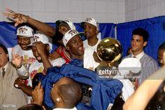 Fotografia de notícias : Michael Jordan of the Chicago Bulls celebrates...