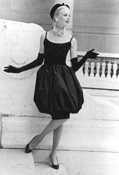 The Bubble dress designed by Yves St. Laurent for Dior, 1959 #dior #vintage