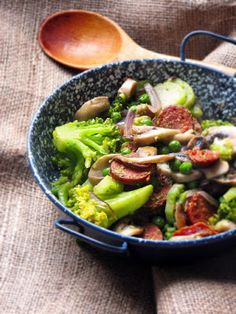 Culinaricum: Kolbászos-zöldséges egytál Beef, Food, Meat, Hoods, Meals, Ox, Ground Beef, Steak