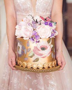 45 Beautiful Ideas Wedding Cake 2021 ❤ wedding cake trends painted cake gold elizabethscakeemporium #weddingforward #wedding #bride