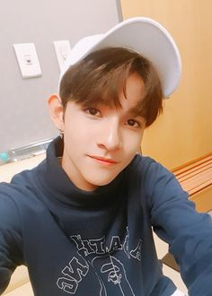 Samuel Samuel, Kim Kardashian Wallpaper, Half Korean, Hip Hop, King Of My Heart, Produce 101 Season 2, Kdrama Actors, Pop Group, Baekhyun