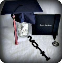 Homemade Graduation Centerpieces   Graduation Centerpieces - How To Make Them Personal
