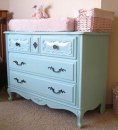 Cômoda provençal azul bebê