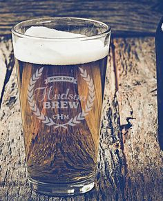 18 ways to personalize your wedding: etched pint glasses.