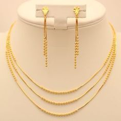 Imag result for fancy necklace indian Gold Mangalsutra Designs, Gold Earrings Designs, Gold Jewellery Design, Jewellery Box, Jewelry Stand, Silver Jewellery, Jewelry Shop, Cartier Jewelry, Jewelry Holder