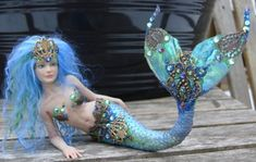 Beautiful mermaid doll!  Love the detail on the fin!