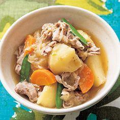 レタスクラブの簡単料理レシピ 電子レンジなのに本格的な味「ゆずこしょう肉じゃが」のレシピです。