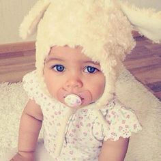 I would love for my daughter to have eyes like this....