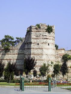 ✯ Istanbaul, Turkey, one of the remaining towers still standing at the the wall of Constantinople